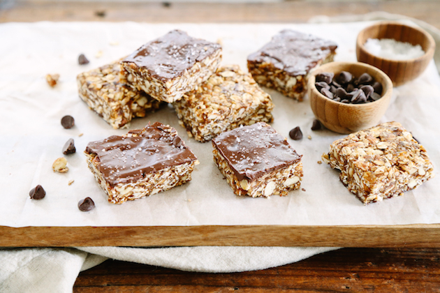how to make almond granola bars